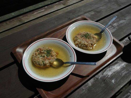 Tulfes, Autriche : Mhhh, köstlich so eine Kasspressknödelsuppe