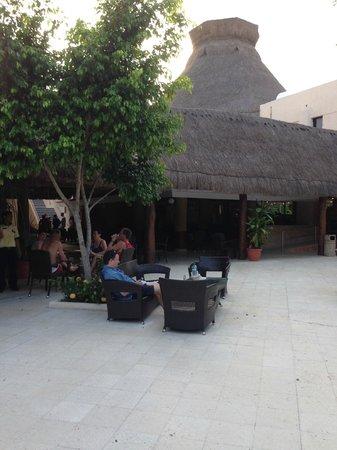 Viva Wyndham Maya : Grands espaces extérieures