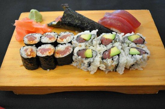 Yamafuji Japanese Restaurant : Tuna Lovers' Sushi Platter