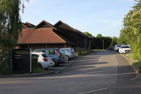 Premier Inn Sandhurst Hotel: Side of Hotel