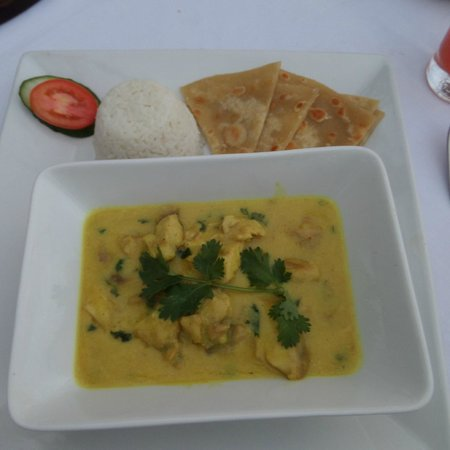 La Marina: Fish curry in coconut milk with coconut rice