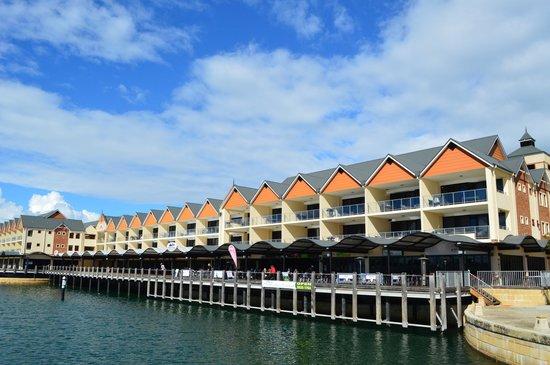 Dolphin Quay Apartment Hotel : Quality Suites Crest Mandurah