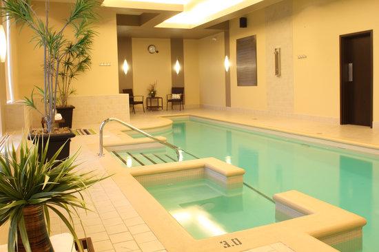 Imperia Hotel & Suites: Swimming pool