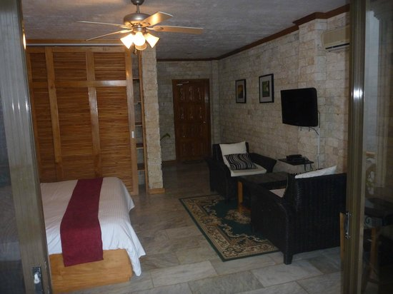 Eden Resort : Rooms are spacious, clean and modern