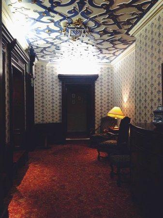 Crewe Hall: Corridor