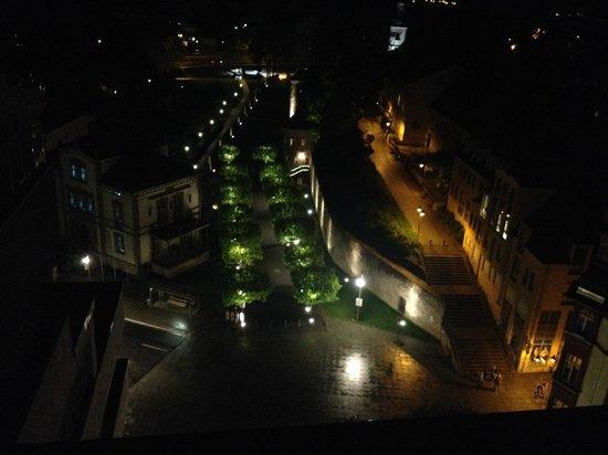 Panorama Hotel Schweinfurt: Stadtmauer bei Nacht