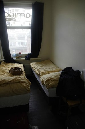 Amigo Budget Hostel : double room