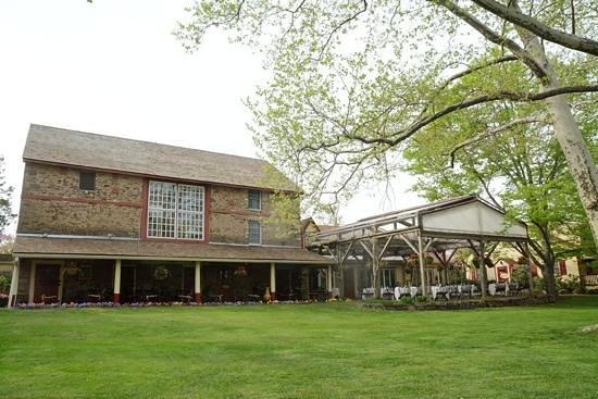Joseph Ambler Inn : barn and patio set up for party