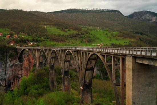Tara River Canyon : bridge over tara river