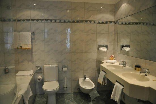 Best Western Premier Kaiserhof Wien : Ванная комната