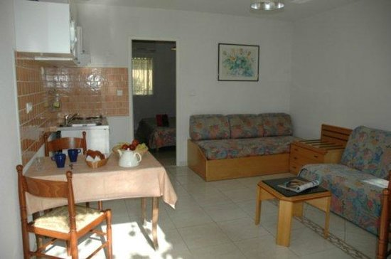 Court'Inn Suites: T2 Salon et Chambre