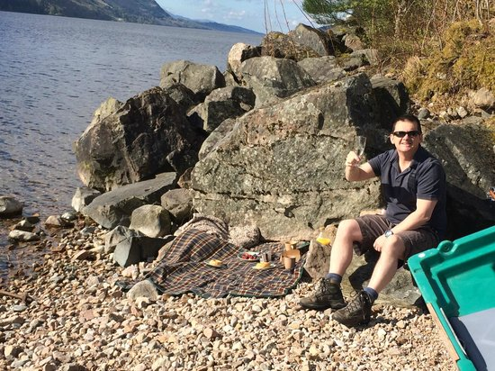 Great Glen Lodges: Little Beach at bottom of Lodge