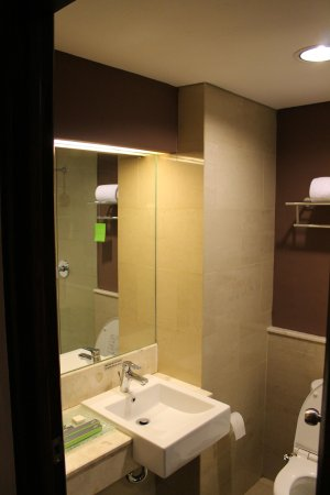 Grand Ixora Kuta Resort: Rest Room