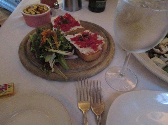 Mamma Luisa Restaurant : ブルスケッタ
