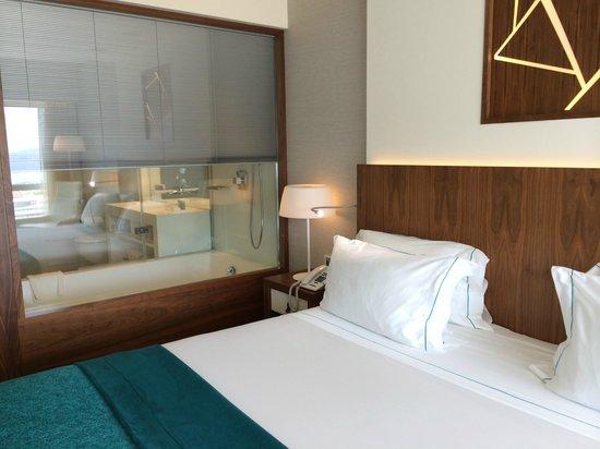 EPIC SANA Lisboa Hotel: Blick in das Zimmer