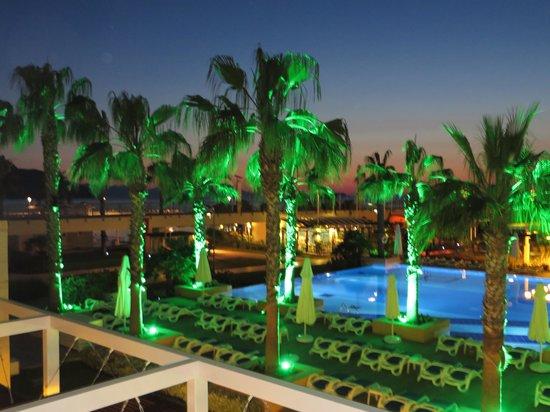 La Blanche Resort & Spa : night photo