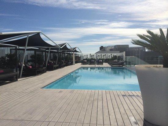 EPIC SANA Lisboa Hotel: Pool Dachterrasse