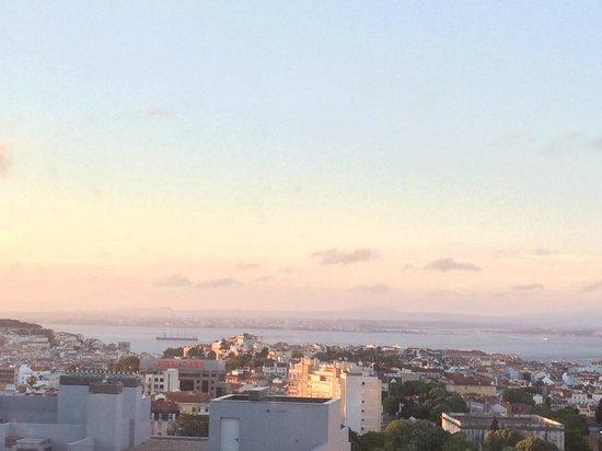 EPIC SANA Lisboa Hotel: Aussicht bei Sonnenaufgang