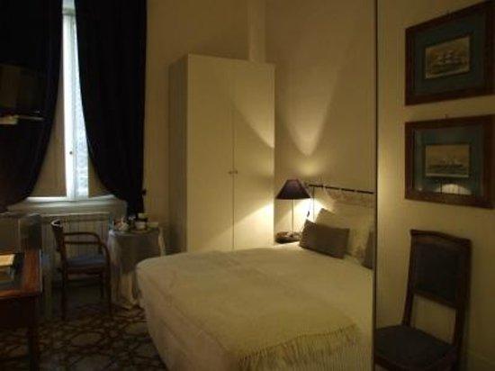 Alberghino B&B Firenze: Blù room