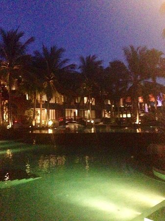 Mai Samui Resort & Spa: At the night