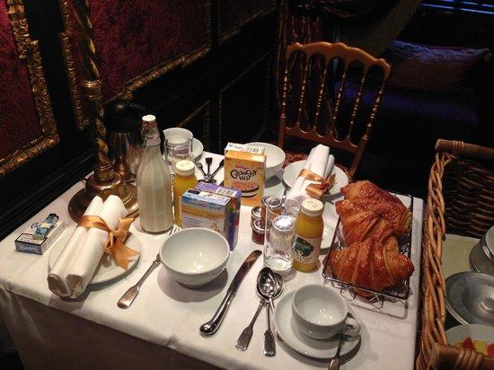 The Witchery by the Castle: colazione in camera