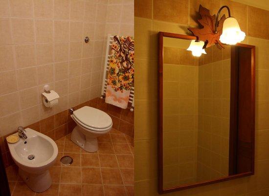 "Naturalmente Roma: ""Castel Sant'Angelo"" bathroom"