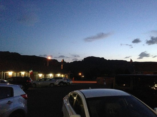 Inca Inn: View from parking lot after sunset
