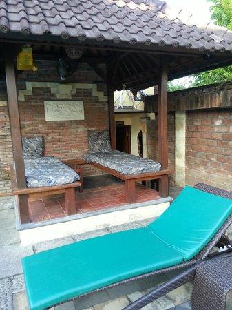Bali Ayu Hotel : Área de massagem