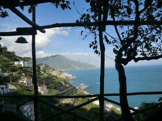 Villa Rina Country House Amalfi: View through the lemon groves