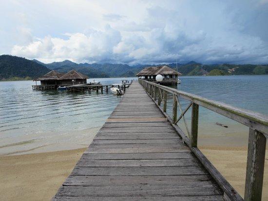 Paradiso Village: pontile e bar