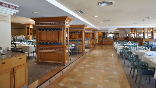 "Hotel Riu Palace Oasis: ""Oasis"" Buffet Restaurant"
