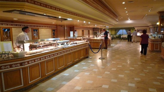Hotel Riu Palace Oasis: Plenty of choice in the buffet restaurant