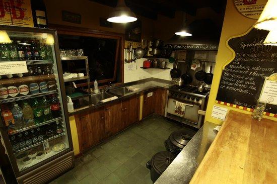Hostel La Angostura: Cocina