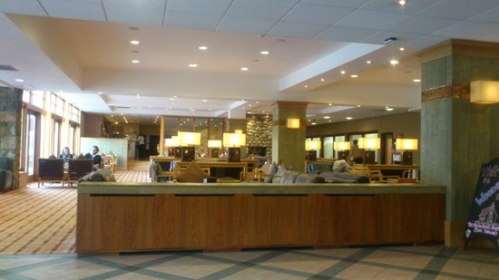 Hilton Coylumbridge Hotel: Reception lounge area