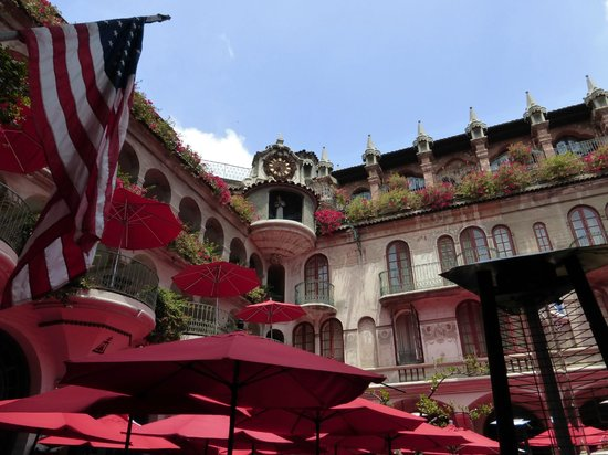 The Mission Inn Hotel and Spa: Plaza