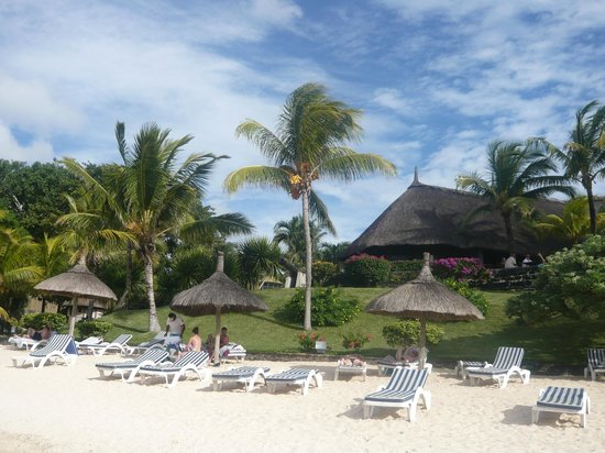 Canonnier Beachcomber Golf Resort & Spa: Vu de l'eau restaurant le navigator