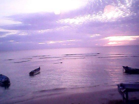 Conrado Beach Resort: Sunset :)