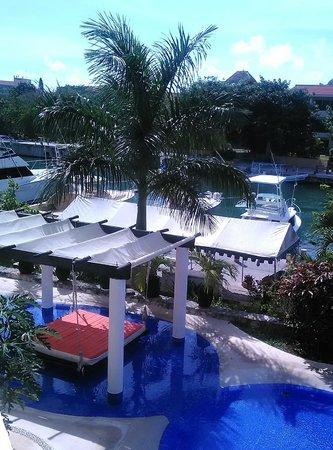 Aventuras Club: inviting pool