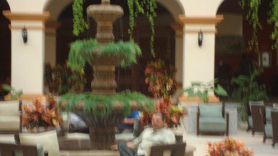Heaven at the Hard Rock Hotel Riviera Maya: detrás del loby