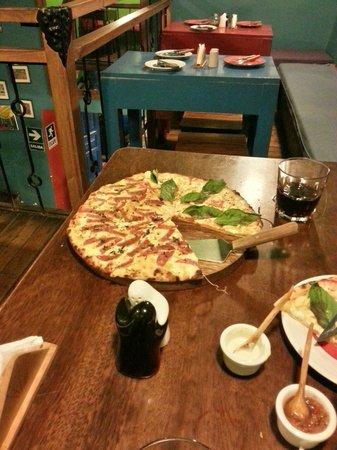 Justina: Delicious pizza.