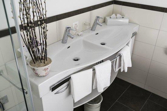 Hotel Steinbock: Badezimmer