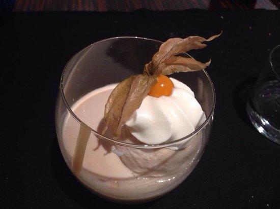 Plats: Crema de galleta maria con helado de braileys