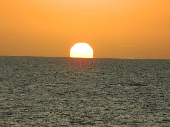 The Royal Sea Aquarium Resort: Por do sol 1