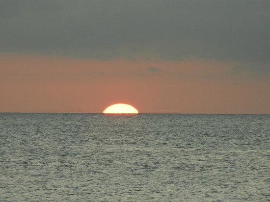The Royal Sea Aquarium Resort : Por do sol 2