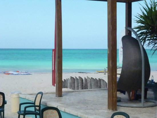Tropical Princess Beach Resort & Spa : Aussicht von Beachbar