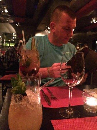 Saba: Cocktails …. YUMMMM!