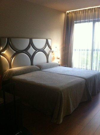 Hotel Axis: cama