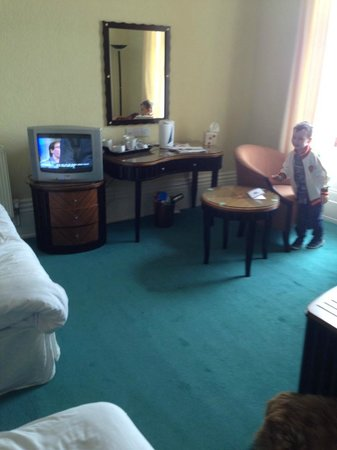 Grand Hotel Scarborough: room dated, old tv thast buzzed