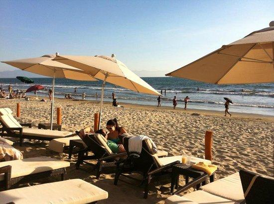 Marival Resort & Suites: Atardecer en la playa