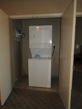 Platinum Hotel and Spa : tvättmaskin och torktumlare